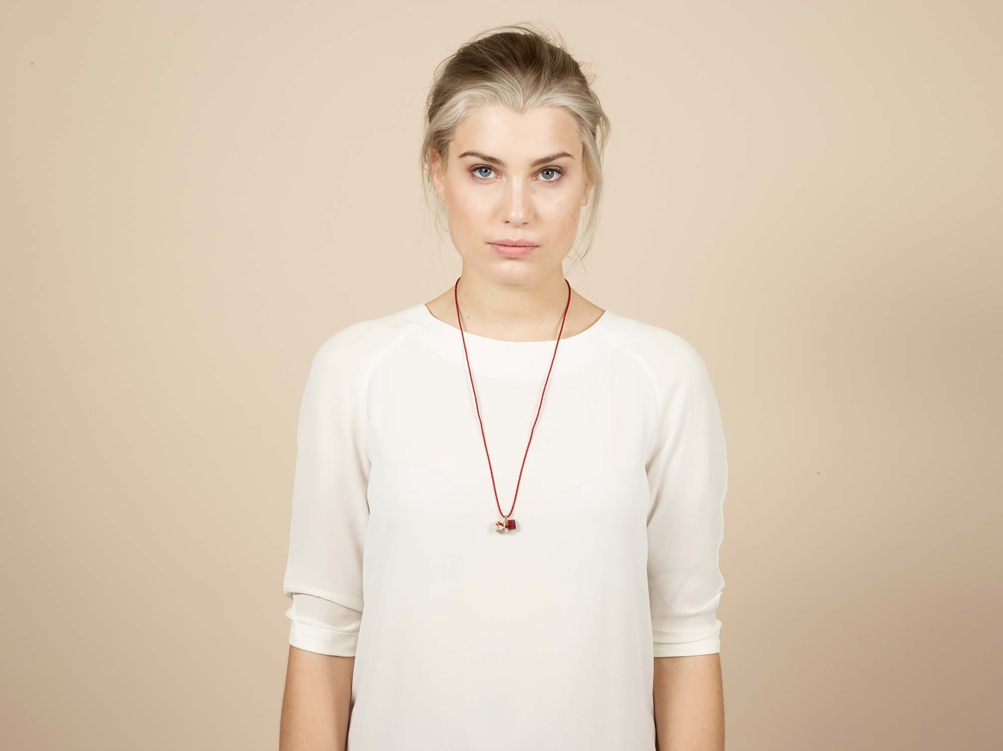 PrimaMateria-bar-necklace-plum-redolive