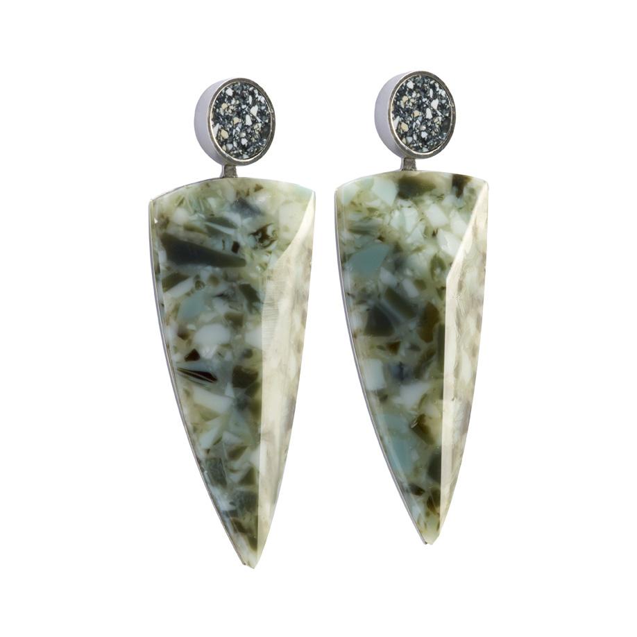 PrimaMateria-earring-trigon-granito-carbon