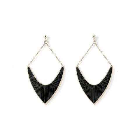 Sporen-oorhangers-v-zilver-zwart