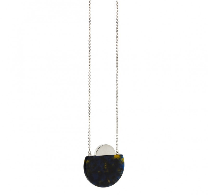 CIRCUM_MBRACEketting_blackish
