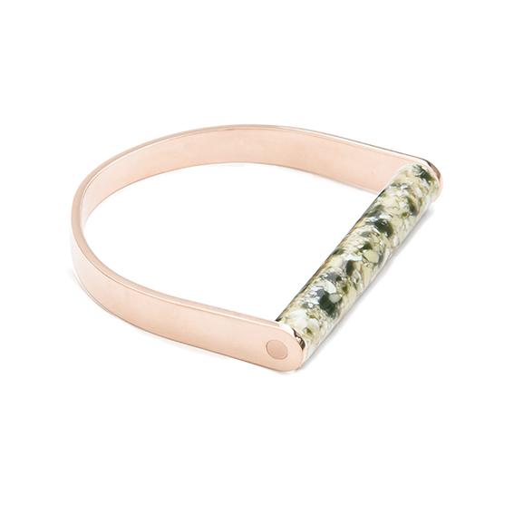 Armbandstaaf-marblegreen-rose-liggend