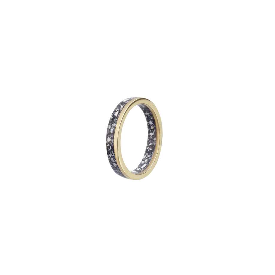 PrimaMateria-ring-stack-gold-carbon