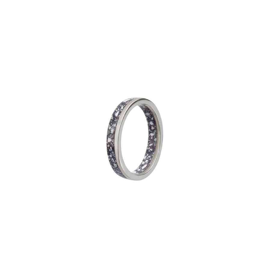 PrimaMateria-ring-stack-silver-carbon